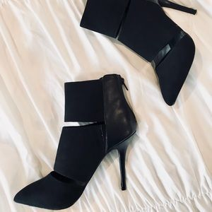 Black Open Slit Pointed Toe Booties✨